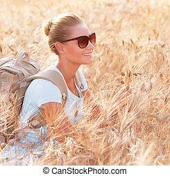 reiziger, vrolijke , weit veld