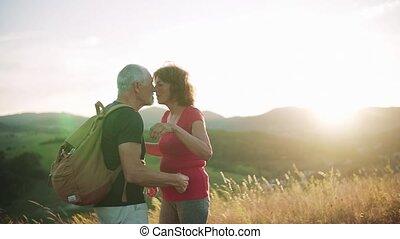 reizigers, natuur, kissing., motion., wandelende, vertragen,...
