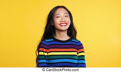 rejoices, 말, 행복하다, 예, 황색, 여자, 뉴스, 선, 배경, 놀란