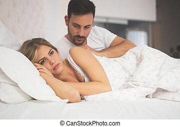 relación, crisis, en cama