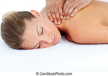 relaxado, mulher, recebendo, massagem