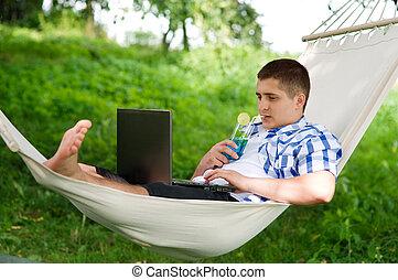 relaxar homem, em, um, rede