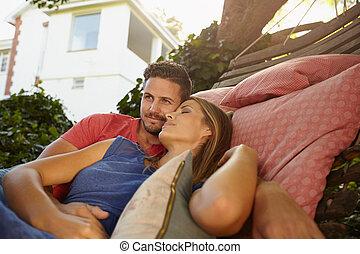 relaxen, paar, jonge, samen, erkentelijk, hangmat