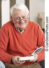 relaxing, книга, главная, старшая, чтение, стул, человек