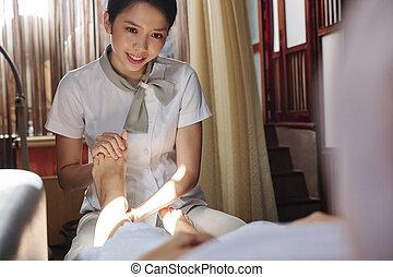 Relaxing feet massage