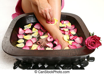 Relaxing Foot spa - Soak away tension and treat your soles...
