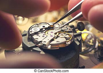 reloj, trabajando, mecánico
