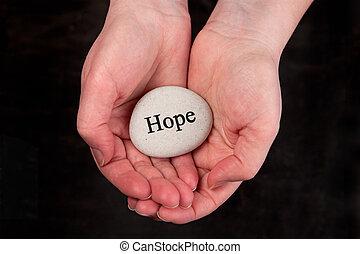 remény