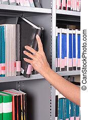removendo, livro, mão