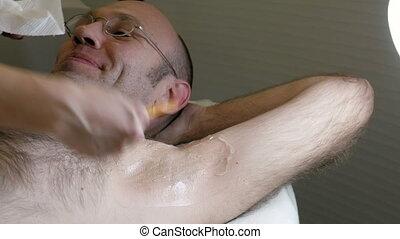 Removing obtusion gel after laser hair removal - Doctor...
