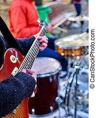 rendimiento, músicos calle