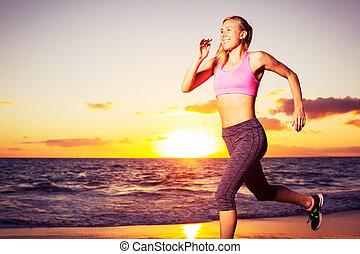 rennende , vrouw, ondergaande zon , fitness