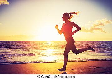 rennender , frau, sonnenuntergang