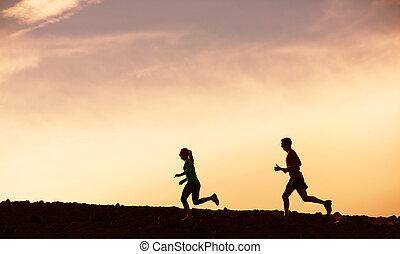 rennender , frau, sonnenuntergang, zusammen, mann