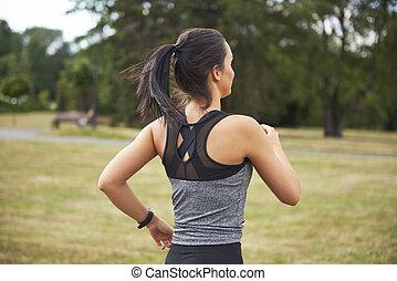 rennender , park, frau, ansicht, junger, rückseite