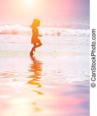 rennender , sandstrand, kind