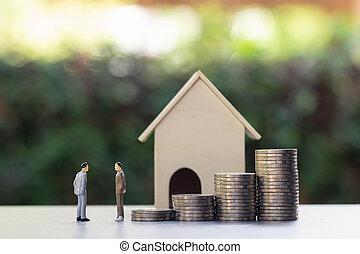 renting , customers., κτήμα , σπίτι , διακίνηση , model., θημωνιά , concept., κέρματα , δυο , διαπραγματεύομαι , ανάμεσα , πραγματικός , τιμή , μεσίτες , διευκόλυνση , για , μινιατούρα , μικρό , επιχειρηματίας , ιδιοκτησία, περιουσία , κουβεντιάζω , ή