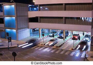 repülőtér, emeletes parkoló