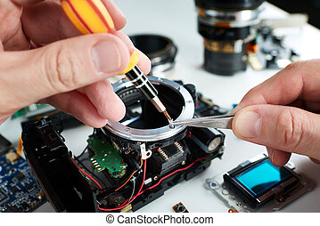 Repair broken DSLR camera in service center