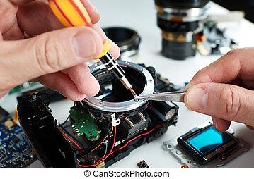 Repair broken DSLR camera in service center