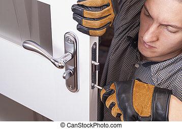 repair door lock