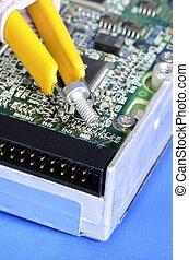 Repair the computer hard disk