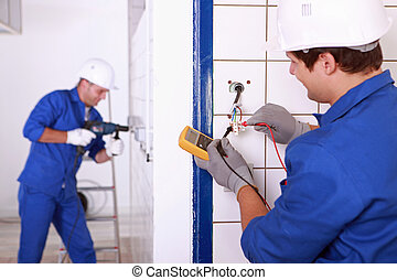 repairmen , δράση