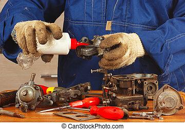 reparación, de, detalles, viejo, motor coche, en, el, taller