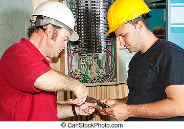 reparación, electricistas, oleada, circuito