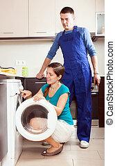 reparación, lavado, ella, ama de casa, máquina, reparador, cocina