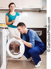 reparador, reparación, un, lavadora