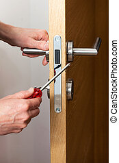 reparar, fechadura, porta, mãos
