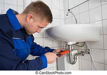 repareren, badkamer, mannelijke , installatiebedrijf, zinken