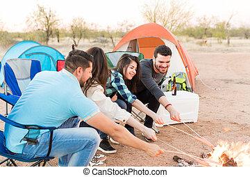 repas, forêt, camping, préparer
