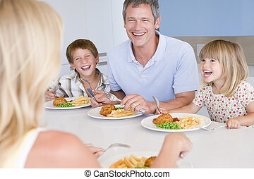repas mangeant, famille, ensemble
