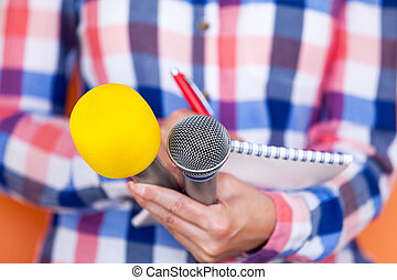 reporter., interview., drukken, nieuws, conference., microphone.