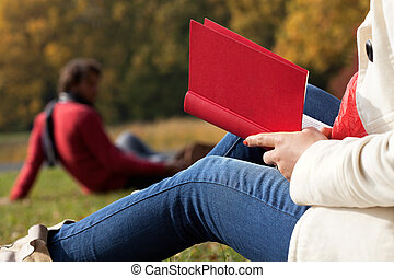 reposer, à, livre, dans, main