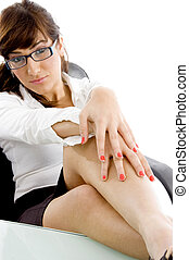 reposer, angle, bureau, elle, femme affaires, jambes, vue côté