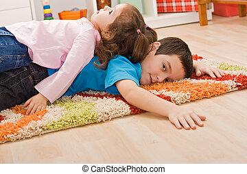 reposer, deux enfants