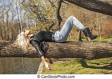 reposer, femme, parc, mode, dehors, modèle