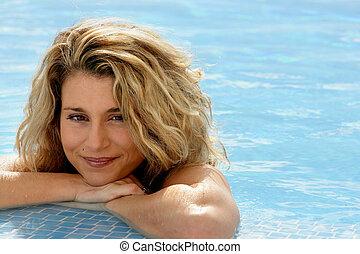 reposer, femme, piscine, blonds, bord