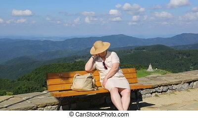 reposer, montagne, femme, banc