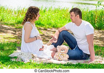reposer, sien, pique-nique, épouse, pregnant, parc, lac, homme
