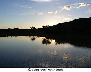 represa, sobre, pôr do sol