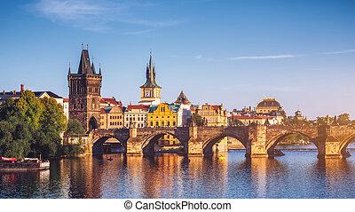 republika czeska, praga, panorama, z, historyczny, charles most, i, vltava rzeka