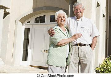 reputacja, dom, starsza para, zewnątrz