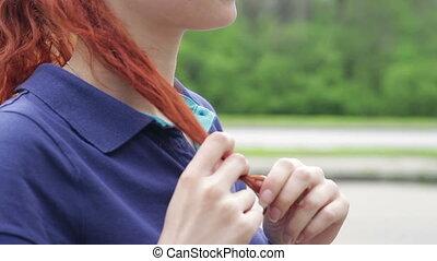 reputacja, jej, rudzielec, włosy, środek, ulica, sam, uśmiechanie się, grzebień, dziewczyna