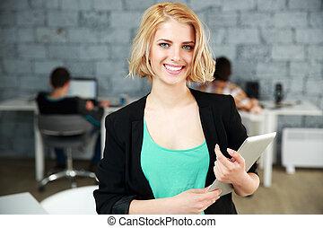 reputacja, kobieta, biuro, tabliczka, młody, radosny, komputer
