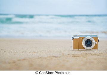 Rero camera on the beach.