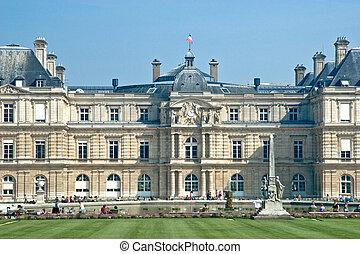 Residence | Paris